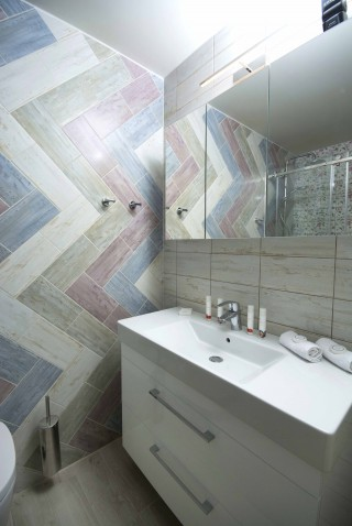 nina-alonissos-bathroom-2nd-floor (1)